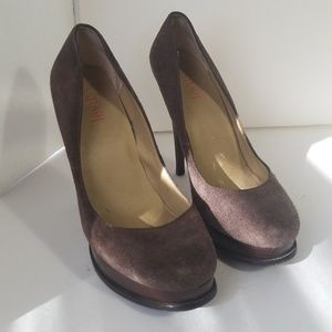 Levity platform heels dalia brown suede size 7.5M